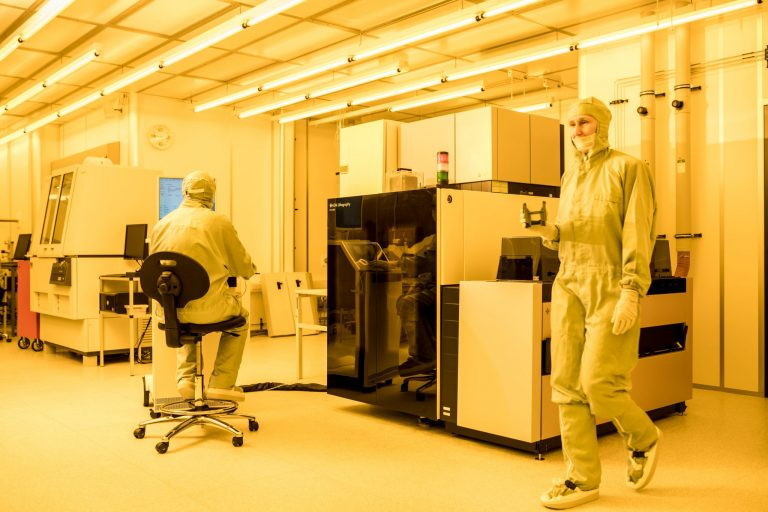 Join us – Paving the Way for InP Photonic Integrated Circuits devices